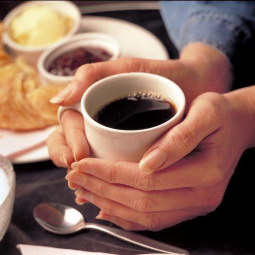 زندگی مانند نوشیدن قهموه